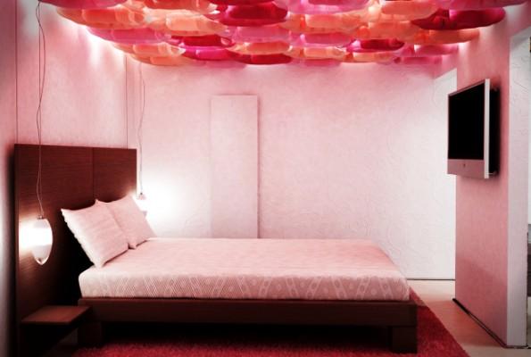 Decorare il soffitto della camera da letto
