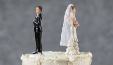 Work shifts and jealousy: when the night brings divorce…